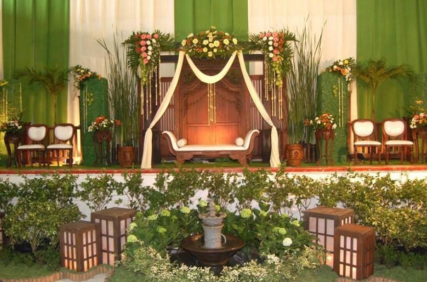 dekorasi-pernikahan-di-sma-2-semarangby-suryo-kusumo-decoration-phone-081392660727085713279079