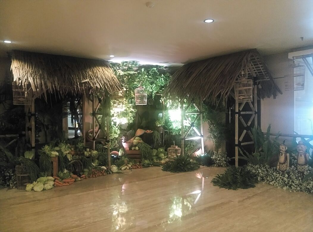Seminar dekorasi pernikahan di hotel aston semarang for Dekorasi party di hotel